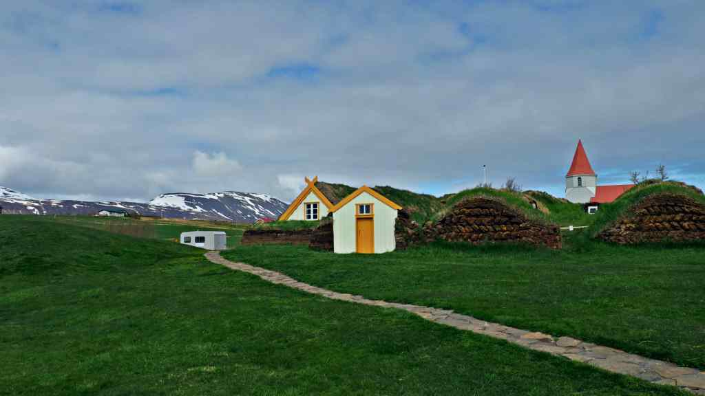 iceland budget road trip