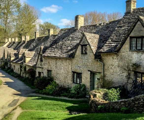 Travel to the cotswolds